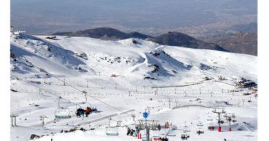Sierra Nevada cierra uno de sus mejores 'puentes' de diciembre con 37.600 esquiadores y 77% de ocupación<br/><span style='color: #077dbc;font-size:65%;'>Además, la estación, con más de 60 kilómetros esquiables, ha recibido 7.460 visitantes y 5.400 usuarios de actividades para no esquiadores</span>