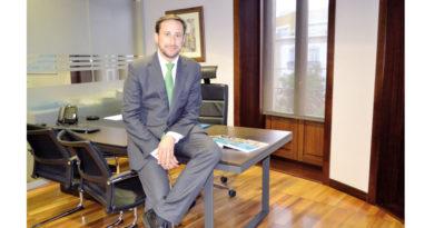 """""""Proveemos de servicios financieros a más del 50% de las empresas del Parque de Escúzar""""<br/><span style='color: #077dbc;font-size:65%;'>Entrevista a Francisco Martínez Ibánez, director territorial sur y Extremadura de Cajamar</span>"""