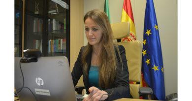 Empleo ha comenzado a ingresar los más de 7,7 millones en ayudas de 210 euros a 36.916 trabajadores de Granada afectados por ERTE<br/><span style='color: #077dbc;font-size:65%;'>La delegada territorial subraya que la tramitación de estas ayudas se ha completado en tiempo récord, menos de un mes</span>